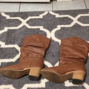 Charles Albert heeled boots